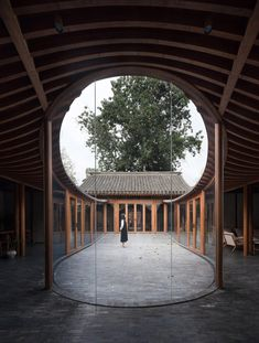 Curving glass walls transform restored Qishe Courtyard in Beijing Chinese Courtyard, Front Courtyard, Internal Courtyard, Courtyard House, Studios Architecture, Residential Architecture, Architecture Design, Architecture Office, Futuristic Architecture