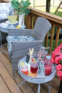 Pretty patio decor i