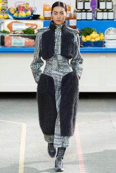 Chanel  Otoño Invierno 2014/2015 - Pasarela  Pasarela  Fuente: vogue.es