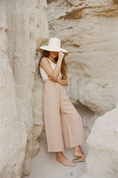 Linen Pants Outfit, Beige Outfit, Trouser Outfits, Linen Trousers, Neutral Outfit, Linen Pants Women, Winter Outfits, Summer Outfits, Aesthetic Fashion
