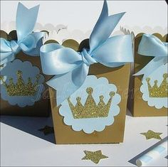 Our hand made baby blue and gold glitter crown popcorn favor boxes are perfect for a baby shower or his first birthday party. Add sparkle to your dessert table or fill with your own candy treats and g Mais Fiesta Baby Shower, Baby Shower Favors, Shower Party, Baby Shower Parties, Baby Shower Themes, Shower Gifts, Baby Boy Shower, Shower Ideas, First Birthday Parties