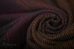 Hand woven baby wrap Emerald Dragon by Harmaslings on Etsy Emerald Dragon, Get Loose, Baby Wrap Carrier, Dragon Scale, Khaleesi, Baby Wraps, Deep Purple, Color Change, Hand Weaving