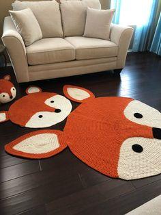 Bernat Blanket Patterns, Crochet Rug Patterns, Elephant Rug Crochet, Crochet Fox, Fox Crafts, Yarn Crafts, Animal Rug, Finger Crochet, Knit Rug