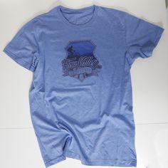 Das erste Shirt aus der FL-Limited Gwand-Serie* Das figurnah geschnittene Shirt  für Männer , aus Polybaumwolle ist angenehm zu tragen und trocknet schneller als reine Baumwollshirts.  Durch das spezielle Druckverfahren, bei dem...
