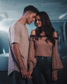 I love Jess and Gabe 🖤💙 Love Couple Images, Cute Couples Photos, Cute Love Couple, Couples Images, Cute Couple Pictures, Cute Couples Goals, Couples In Love, Romantic Couples, Romantic Gifts