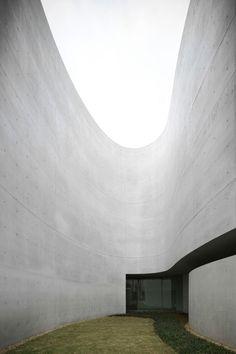 Alvaro Siza + Castanheira & Bastai Arquitectos Associados + Jun Sung Kim | Mimesis Museum in Republic of Korea. 2009. Photo © FG+SG – Fernando Guerra, Sergio Guerra.