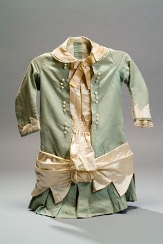 Late Victorian girl's dress. Museum of Mexican History Collection