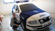 A Finnish craftswoman knitted a police car!