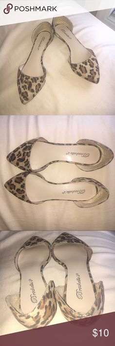 Leopard print flats Brown and black pointed toe leopard print flats. I love these flats, but they're a little too big for me. 6.5, but run large. Would look super cute for a business casual work day with black pants, or with light wash distressed boyfriend jeans on the weekend. Breckelles Shoes Flats & Loafers