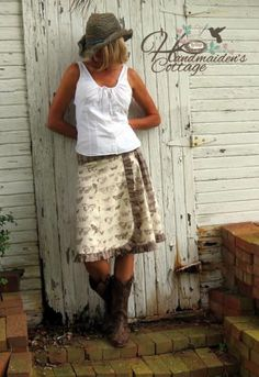 Add a little Add a little femininity to the traditional wrap skirt with the Handmaiden's Cottage ruffled wrap skirt pattern! Wrap Skirt Tutorial, Diy Maxi Skirt, Skirt Patterns Sewing, Wrap Skirt Patterns, Skirt Sewing, Pdf Patterns, Handmade Skirts, Clothes Crafts, Sewing Clothes