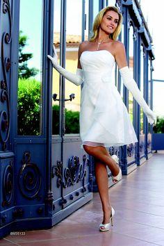 for Robes blanches simples pour le mariage de palais de justice
