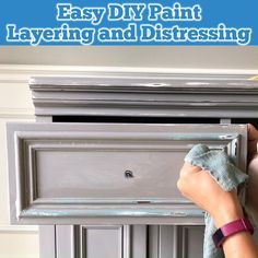 Easy to follow written steps and video showing how I layer chalk paint and vaseline to get this DIY Gray Distressed Chalk Paint Look. Before and after furniture makeover idea using grey chalk paint. Gray Chalk Paint, Chalk Paint Colors, Diy Furniture Redo, Chalk Paint Furniture, Diy Wood Stain, Weathered Paint, Vaseline, Diy Painting, Bedroom Turquoise