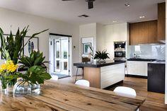 White and wood. #decor #interior #design #kitchen #casadevalentina
