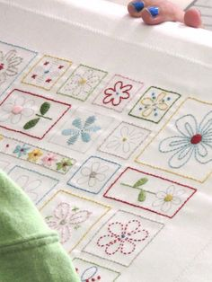 Stitchin' pattern in the Stitchy Kit... Bee In My Bonnet