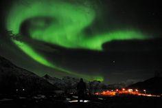 Quieres visitar la aurora boreal? Hay incluso iglús con techo transparente para verla!