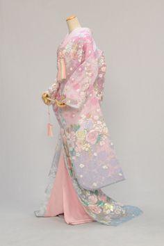 Traditional Japanese Kimono, Traditional Dresses, Japanese Outfits, Japanese Fashion, Japanese Geisha, Ball Dresses, Ball Gowns, Kimono Fashion, Fashion Dresses