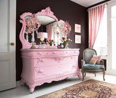 Im in love !!!Shabby Chic Pink Dresser!  S ℎ a b b y . C ℎ i c