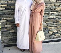 Praise be to Allah ♥ Couples Musulmans, Muslim Couples, Muslim Women, Niqab, Arab Couple, Hijab Style, Best Couple, Hijab Fashion, Marie