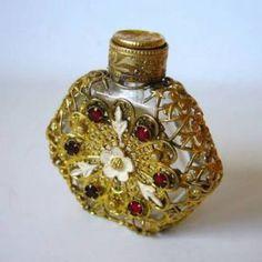 Antique perfume atomizer Antique #antique, #retro, #beauty, https://apps.facebook.com/yangutu