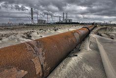 Industrial landscape Rotterdam, via Flickr. by Peter Gelderblom