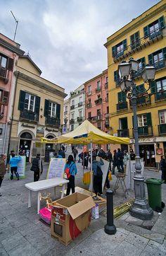 Giochi antichi in Piazza Yenne - Stampace, Cagliari, Sardinia, Italy