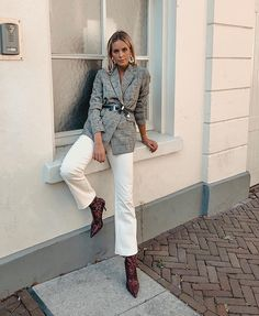 How to wear jeans outfits fashion street styles 50 Trendy Ideas Mode Outfits, Winter Outfits, Fashion Outfits, Fashion Boots, White Jeans Winter Outfit, Fashion Ideas, Casual Street Style, Fashion Week, Look Fashion
