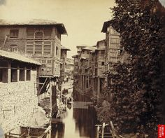 View of houses by the canal at Srinagar, 1870 - British Library