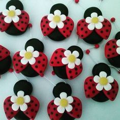 Cute Polymer Clay, Cute Clay, Fimo Clay, Polymer Clay Charms, Polymer Clay Projects, Clay Crafts, Polymer Clay Jewelry, Fondant Flower Tutorial, Clay Magnets