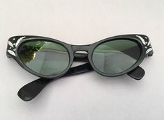 98f5626559646 Vintage Cateye Sunglasses Foster Grant Sunglasses 1950s Foster Grant  Sunglasses