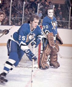 Vintage Goalie Mask Discussion Page :: Vintage Mask Discussion :: Lefty, right ? Pens Hockey, Hockey Teams, Pittsburgh Penguins Goalies, Nhl, Hockey Rules, Goalie Mask, Vancouver Canucks, Old School, Baseball Cards
