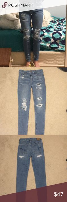 American Eagle Jeans Really cute American Eagle jeans, these have been worn only a couple times, I just haven't worn them enough. Great condition, 92% cotton, 6% polyester, and 2% Elastane. Please be my first buyer, I'll include extras :) American Eagle Outfitters Jeans Skinny