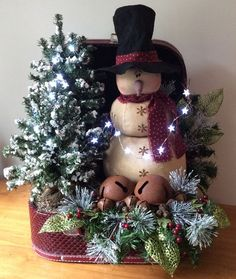 Snowman Decorations in our APP about Christmas Ideas, 90 Amazing Christmas Decor  #ChristmasTree #christmas #ChristmasTable #Christmasdiy