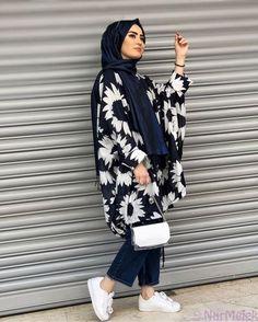 Amazing Fashion Life :O Hijab Fashion Summer, Modern Hijab Fashion, Modesty Fashion, Hijab Fashion Inspiration, Indian Fashion Dresses, Muslim Fashion, Stylish Hijab, Hijab Chic, New Fashion Clothes