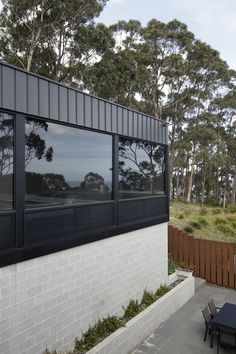 Image 16 of 31 from gallery of Skyline House / Lachlan Shepherd Architects. Photograph by Ben Hosking Australian Architecture, Modern Architecture, Architect Drawing, Skyline, Shed Homes, Container House Design, House Extensions, Dream House Plans, Facade House