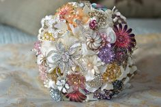 Noaki Jewelry: brooch bouquet