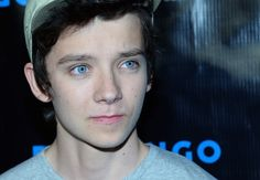 asa butterfield pictures | ... in this photo asa butterfield actor asa butterfield arrives at summit looking cool