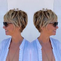 Brown Pixie Bob With Blonde Highlights knallt Grunge 90 Classy and Simple Short Hairstyles for Women over 50 Classic Hairstyles, Pixie Hairstyles, Pixie Haircuts, Hairstyles 2016, Feathered Hairstyles, Latest Hairstyles, Wedge Hairstyles, Brunette Hairstyles, Simple Hairstyles