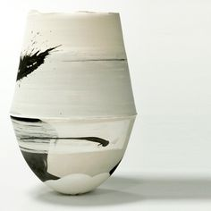 Hannah Tounsend, ceramic vessel click the image for further information Modern Ceramics, Contemporary Ceramics, White Ceramics, Pottery Bowls, Ceramic Pottery, Thrown Pottery, Slab Pottery, Ceramic Bowls, Earthenware