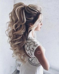 The Latest Idea of The Evening Hairstyle 2018 Fashionable chic hairstyles have the ability to create a main accent in an elegant image and allow you to make the images for the evening amazing and so magical. And do not hesitate, trendy and f. Evening Hairstyles, Chic Hairstyles, Elegant Hairstyles, Wedding Hairstyles, Pretty Hairstyles, Hairstyle Ideas, Elegant Wedding Hair, Wedding Hair Down, Wedding Hair And Makeup