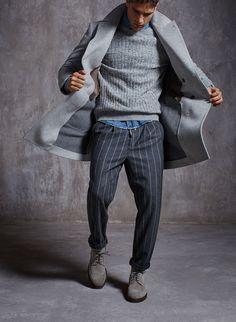 Perfekt kombiniertes Herbstoutfit mit Denimshirt als Farbakzent. | Brunello Cucinelli