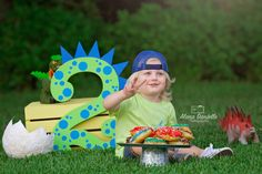 Most Popular Birthday Photoshoot Boys Ideas 1st Birthday Party Bags, 1st Birthday Boy Themes, Dinosaur First Birthday, 1st Birthday Photoshoot, Boy First Birthday, Boy Birthday Photography, 2nd Birthday Pictures, Boy Poses, Photo Poses