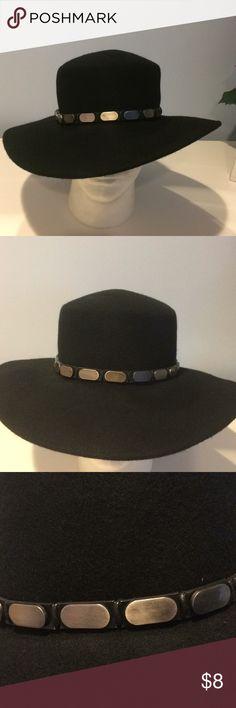 Boho Wide Brim Felt Hat EUC Boho Wide Brim Black Felt Hat Worn Once - Like New Forever 21 Accessories Hats