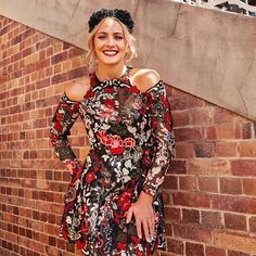 Last but not least Doomben Racecourse will reach its spectacular finale with UBET Stradbroke Day tomorrow at @brisbaneracingclub! A day of ultimate elegance and monochromatic ensembles is sure to get your fashion favourites fired up. Indulge in feminine sensibilities but do not be afraid to throw on a striking all-black pantsuit and a red lip. #UBETstradbrokeday #doombenracecourse #raceday #racewear #monochrome #fashion #brisbaneraces #brisbaneracingclub #ponyup #bneraces  via FASHION TRENDS…