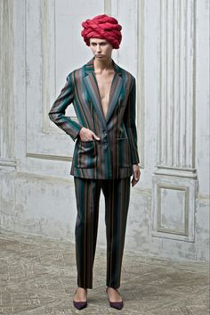 Spring 2015 Ready-to-Wear - Vika Gazinskaya // my mother could have pulled of this look. Sallow, raw-boned Irish woman, she would have loved this silhouette and colors.