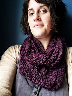 An easy, breezy cowl, perfect for a beginner who wants something different, or an expert just looking for a mindless knit! The wool/cotton blend makes this cowl great even for a cool spring or summer evening! By Knit Graffiti Designs.