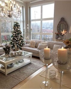 35 Trendy & Cozy Holiday Decorating Ideas Get inspired with these trendy holiday decorating ideas and turn your home into a winter wonderland. You'll love these classy Christmas decorations. Classy Christmas, Christmas Home, Christmas Holidays, White Christmas, Christmas Trees, Christmas Crafts, Sweet Home, Design Salon, Christmas Living Rooms