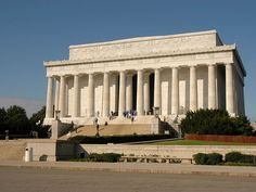 Important landmarks along the march route:   Lincoln Memorial