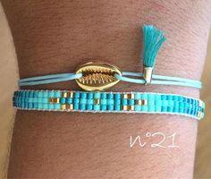 Beaded bracelet woven miyuki, length wide, closes with a nylon adjustable cord depending on your wrist size. This model miyuki beads are smaller that usual miyuki, c with miyuli. Loom Bracelet Patterns, Bead Loom Bracelets, Bead Loom Patterns, Beading Patterns, Miyuki Beads, Crimp Beads, Bracelets Bleus, Armband Diy, Loom Beading