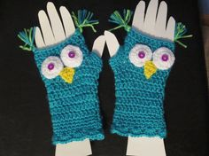 Bright Aqua Owl fingerless Gloves by Bluetulipgifts on Etsy, $18.99
