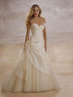 NWT DEMETRIOS STYLE 3133  Bridal Gown Wedding Dress  Size 8 Ivory strapless